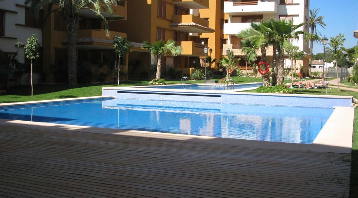 new build 2 and 3 bedrooms apartments for sale in Punta Prima La Recoleta (40)