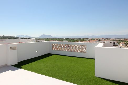 3 Bedrooms Villa, Just 900 Meters From The Beach In El Campello For Sale With Basement