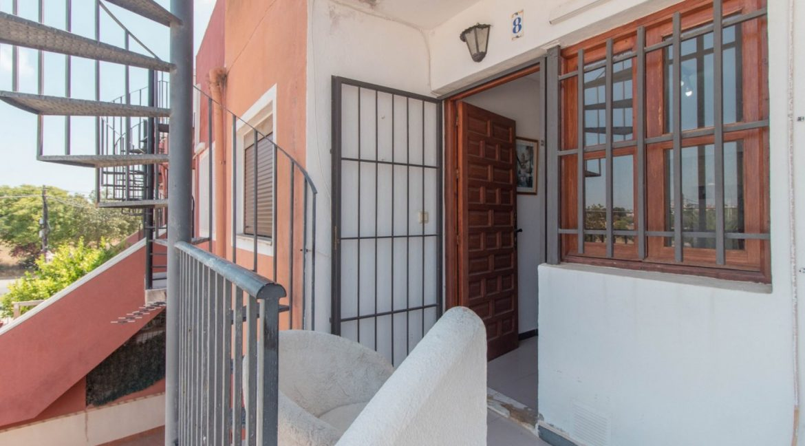 1 Bedroom Apartment In La siesta Area For Sale With Solarium And Storage Room (7)
