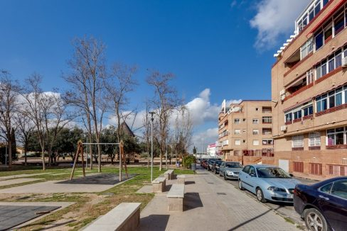 1 Bedroom Apartment With Communal Pool For Sale In Torrevieja Town (10)