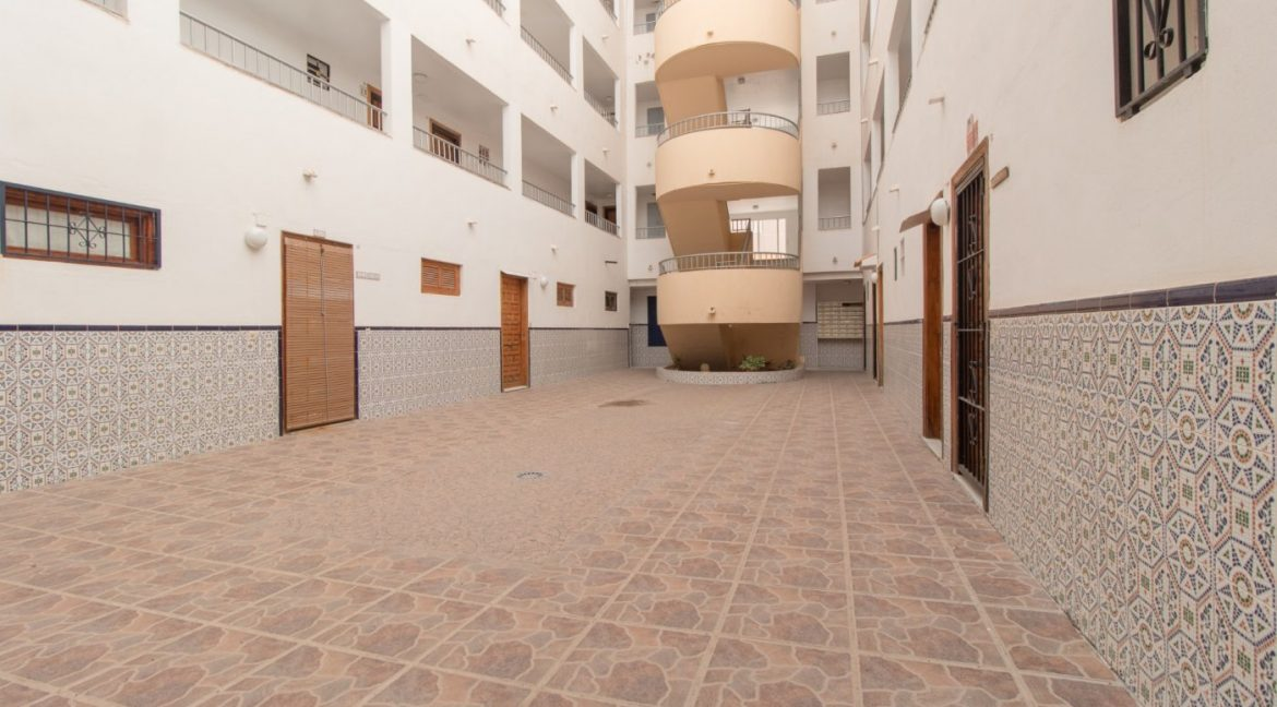 1 bedroom Apartment For Sale With Swimming pool in La Mata (11)