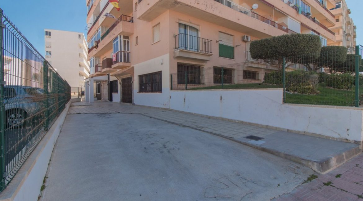 1 bedroom Apartment For Sale With Swimming pool in La Mata (15)
