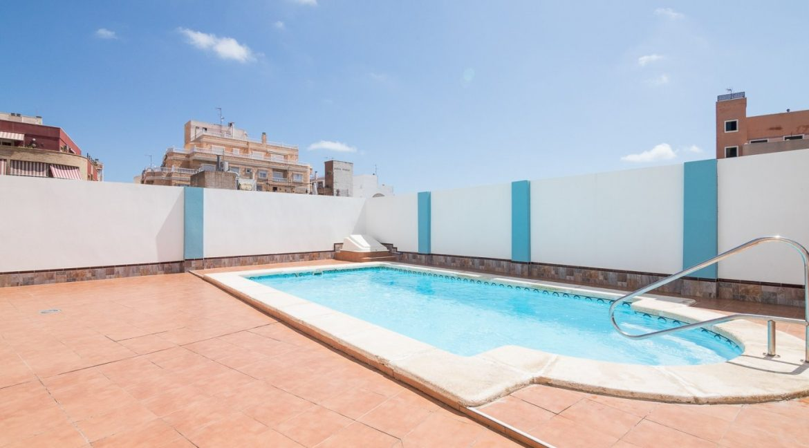 2 Bedrooms Apartment For Sale in Torrevieja With Swimming Pool (1)