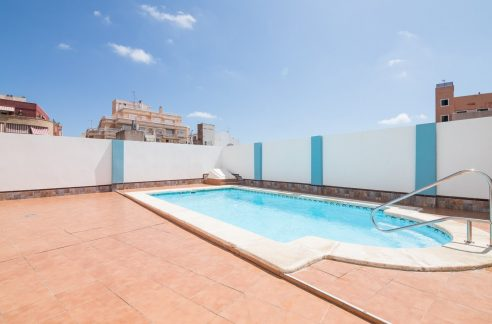 2 Bedrooms Apartment For Sale in Torrevieja With Swimming Pool