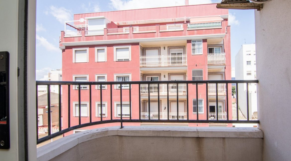 2 Bedrooms Apartment For Sale in Torrevieja With Swimming Pool (19)
