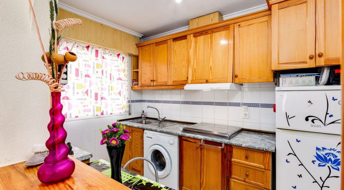 2 Bedrooms Apartment For Sale in Torrevieja near El Cura Beach (10)