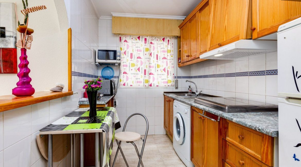 2 Bedrooms Apartment For Sale in Torrevieja near El Cura Beach (4)