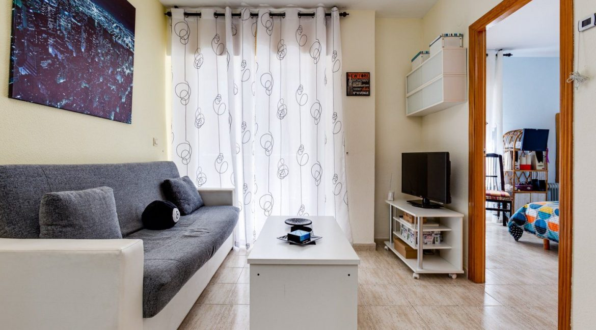 2 Bedrooms Apartment For Sale in Torrevieja near El Cura Beach (6)