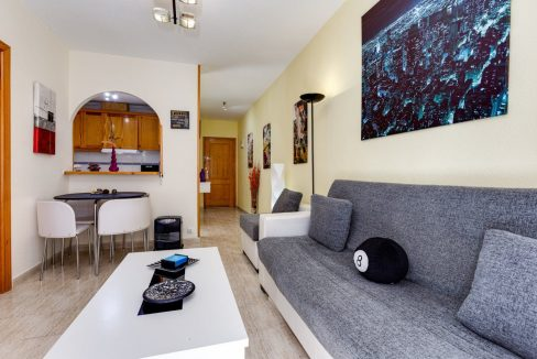 2 Bedrooms Apartment For Sale in Torrevieja near El Cura Beach (7)