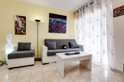 2 Bedrooms Apartment For Sale in Torrevieja near El Cura Beach