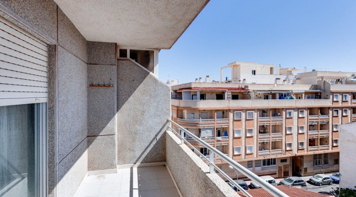 2 Bedrooms Apartment For Sale in Torrevieja near el Cura Beach (1)