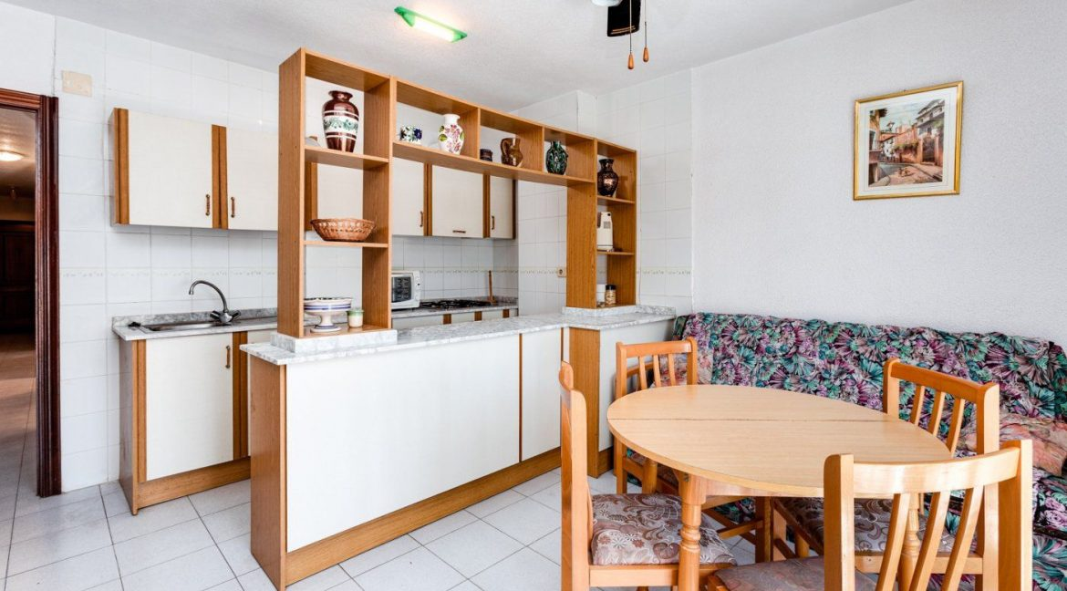 2 Bedrooms Apartment For Sale in Torrevieja near el Cura Beach (11)