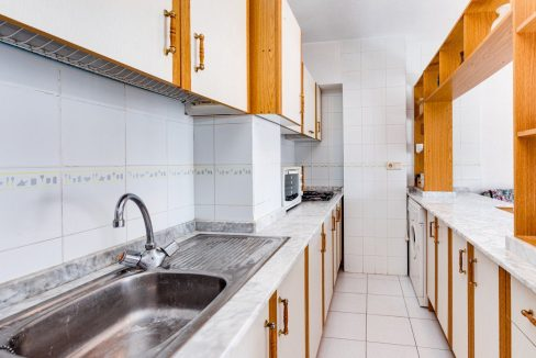 2 Bedrooms Apartment For Sale in Torrevieja near el Cura Beach (14)