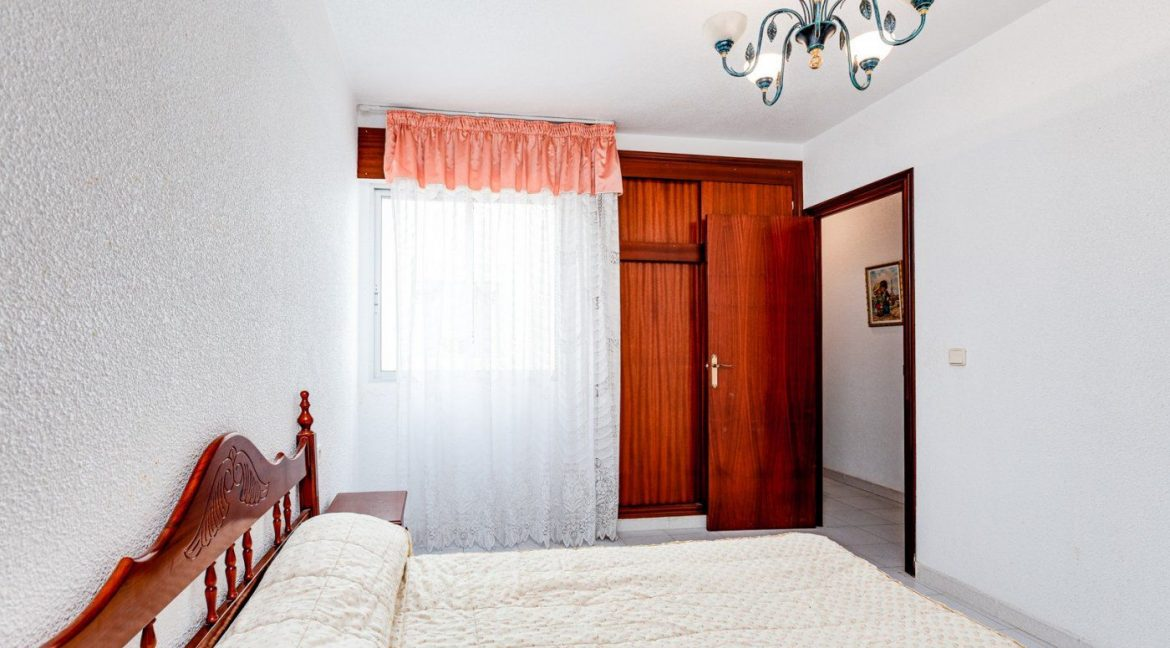 2 Bedrooms Apartment For Sale in Torrevieja near el Cura Beach (17)