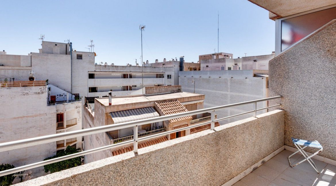 2 Bedrooms Apartment For Sale in Torrevieja near el Cura Beach (27)
