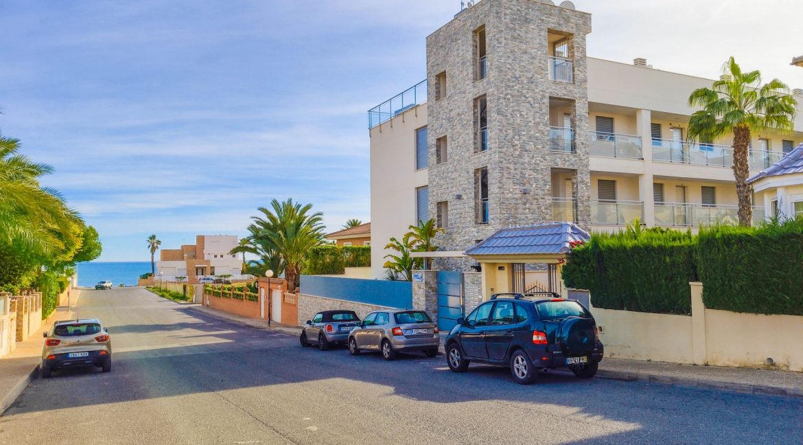 Apartment with sea views for sale in La Veleta, Mar Azul, Torrevieja (14)