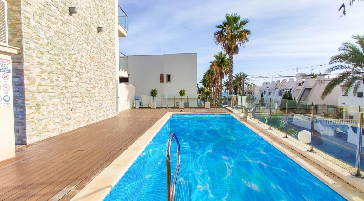 Apartment with sea views for sale in La Veleta, Mar Azul, Torrevieja (18)