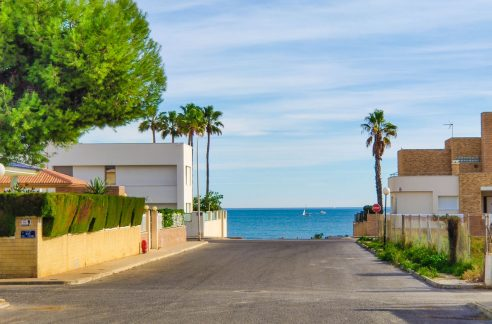 Apartment with sea views for sale in La Veleta, Mar Azul, Torrevieja
