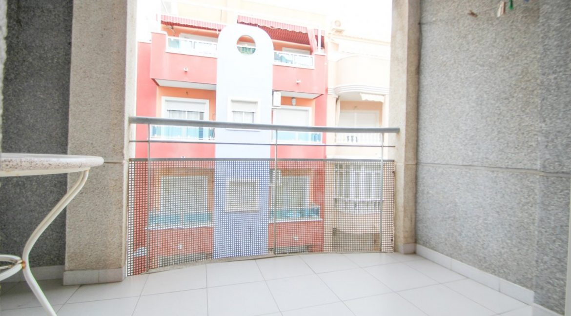 one Bedroom Apartment For Sale In Torrevieja (14)