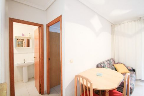 one Bedroom Apartment For Sale In Torrevieja (9)
