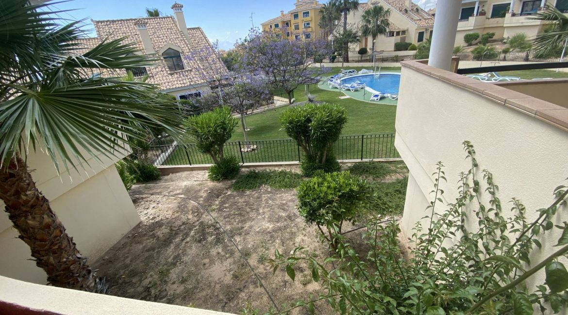 3 Bedrooms Townhouses for Sale with Pool inside the Gold Course (19)
