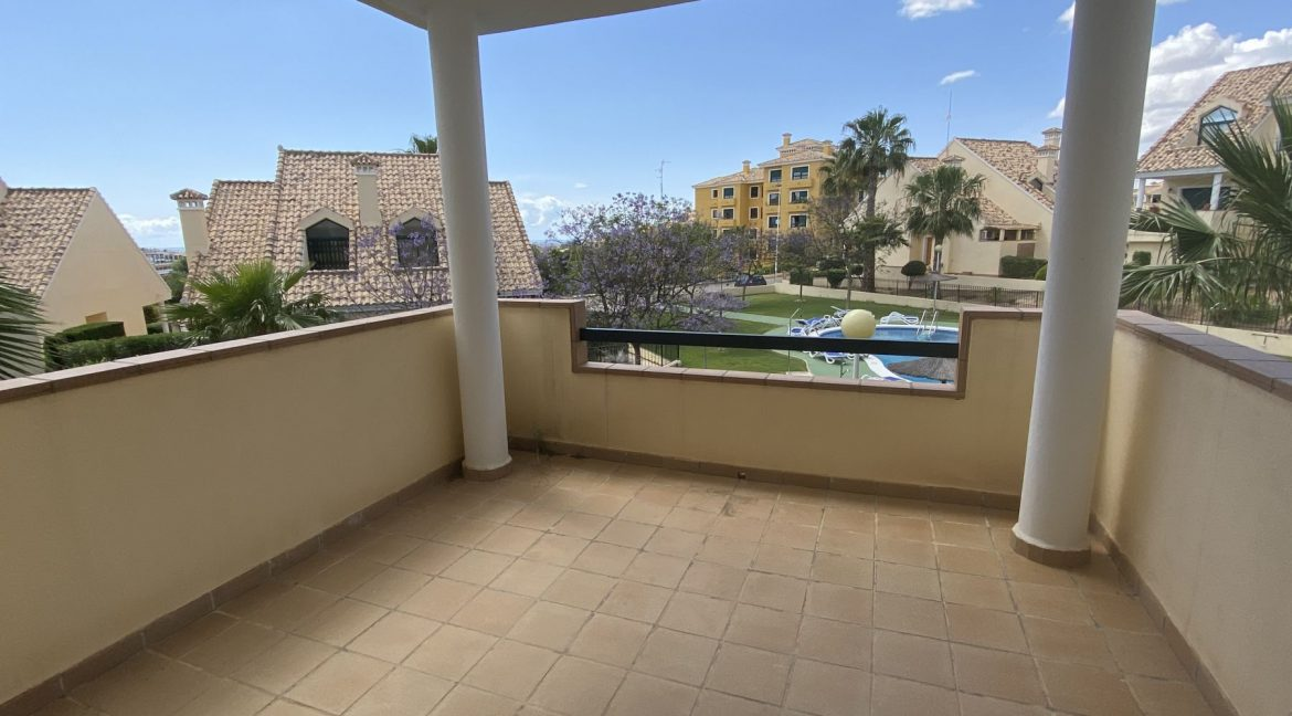 3 Bedrooms Townhouses for Sale with Pool inside the Gold Course (25)