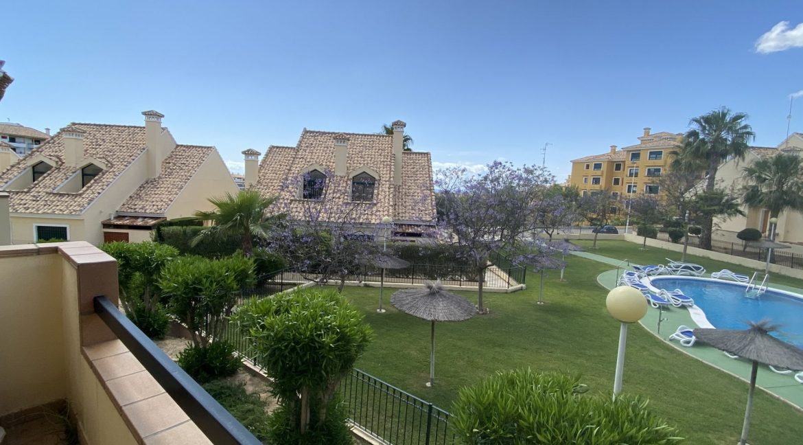 3 Bedrooms Townhouses for Sale with Pool inside the Gold Course (27)