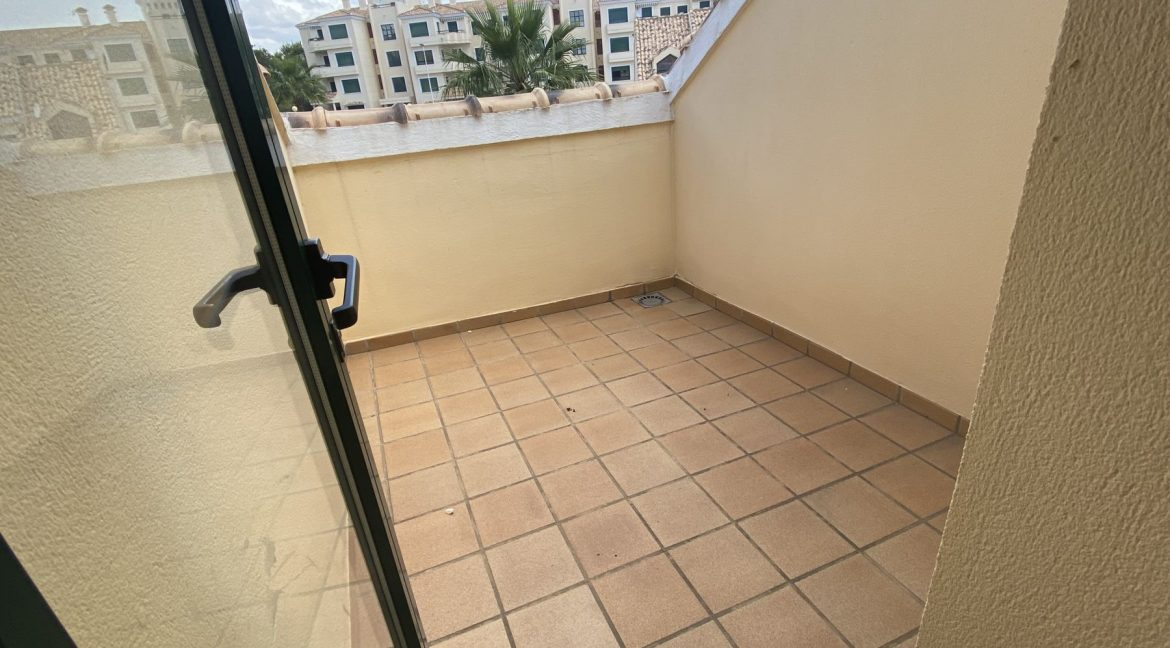 3 Bedrooms Townhouses for Sale with Pool inside the Gold Course (31)