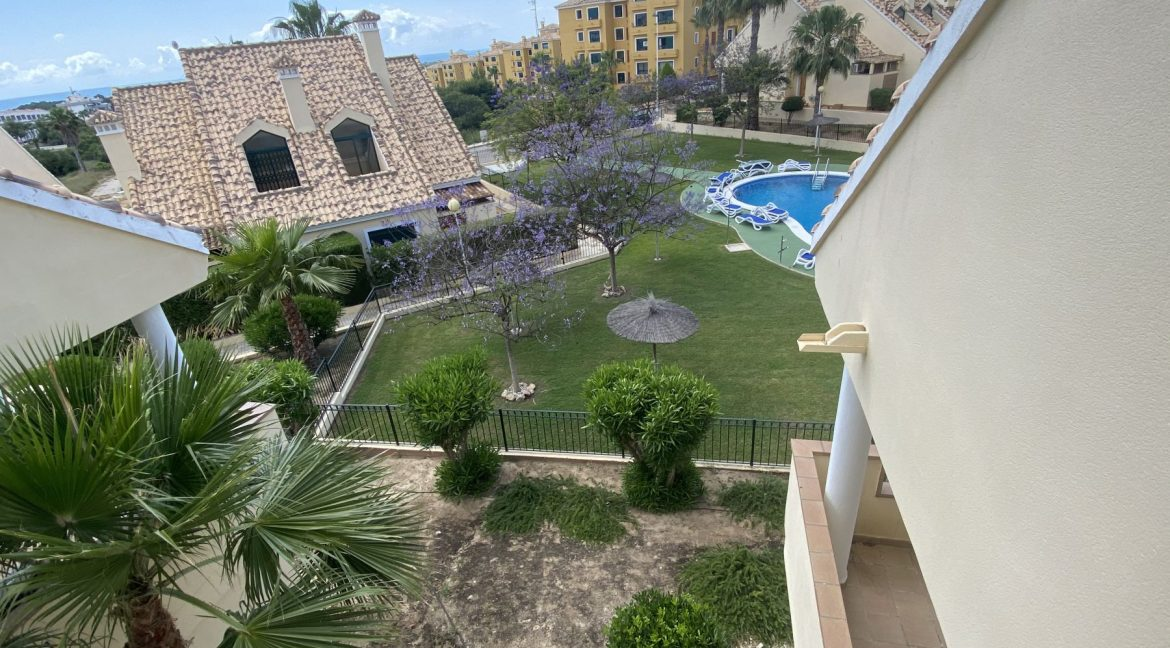 3 Bedrooms Townhouses for Sale with Pool inside the Gold Course (36)