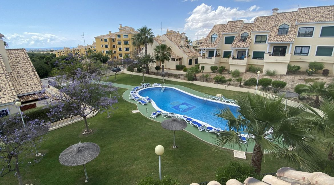 3 Bedrooms Townhouses for Sale with Pool inside the Gold Course (42)