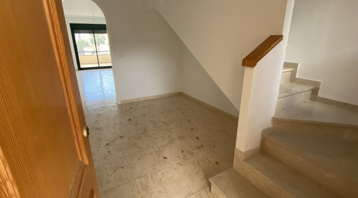 3 Bedrooms Townhouses for Sale with Pool inside the Gold Course (8)