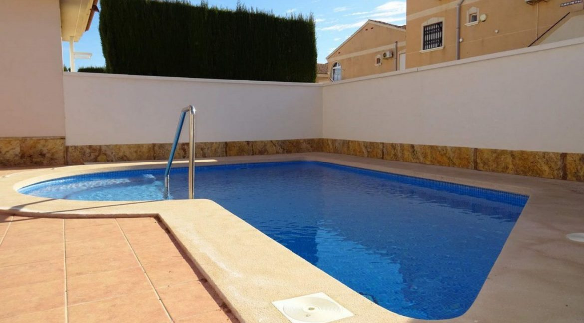3 Bedrooms Villa For Sale with Swimming Pool in Orihuela Costa (15)