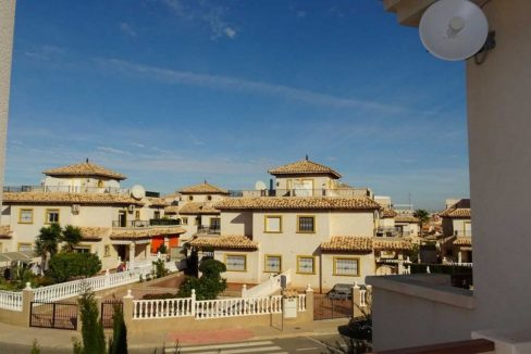 3 Bedrooms Villa For Sale with Swimming Pool in Orihuela Costa (30)