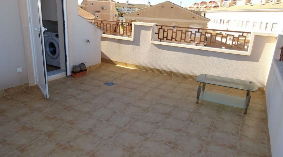 3 Bedrooms Villa For Sale with Swimming Pool in Orihuela Costa (38)