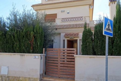 3 Bedrooms Villa For Sale with Swimming Pool in Orihuela Costa (43)
