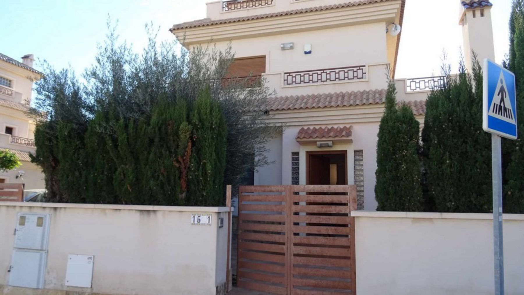 3 Bedrooms Villa For Sale with Swimming Pool in Orihuela Costa