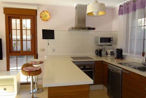 3 Bedrooms Villa For Sale with Swimming Pool in Orihuela Costa (52)