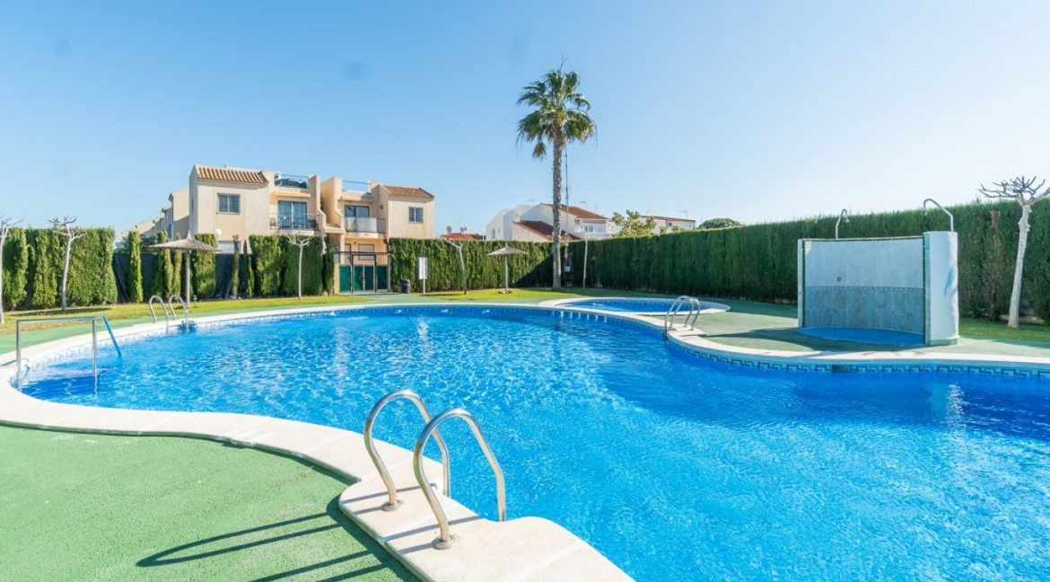 3 Bedrooms Bungalow For Sale in Torrevieja (1)