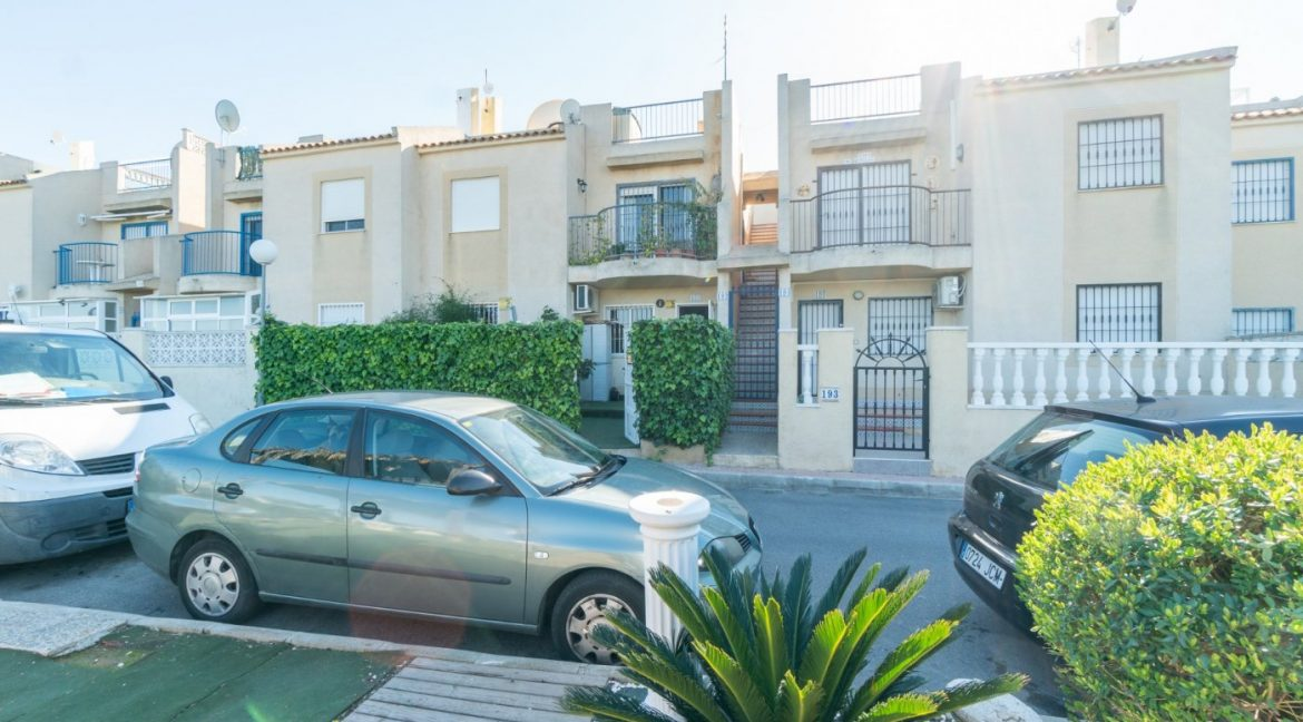 3 Bedrooms Bungalow For Sale in Torrevieja (3)