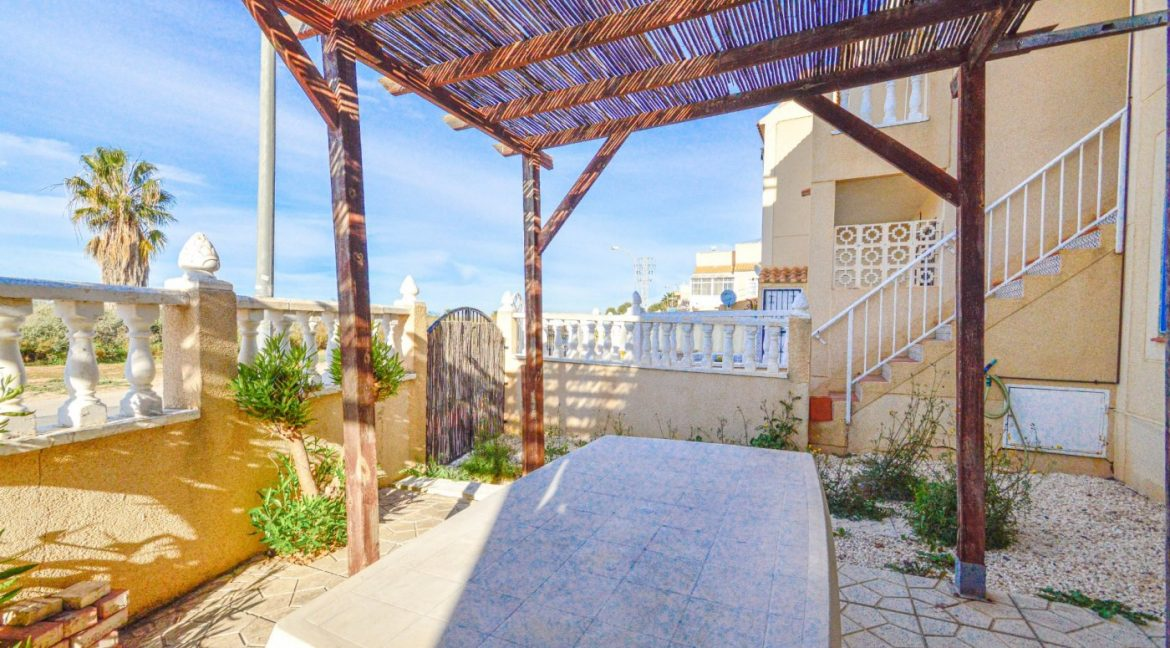 3 Bedrooms Bungalow with Solarium For Sale in Torrevieja (15)