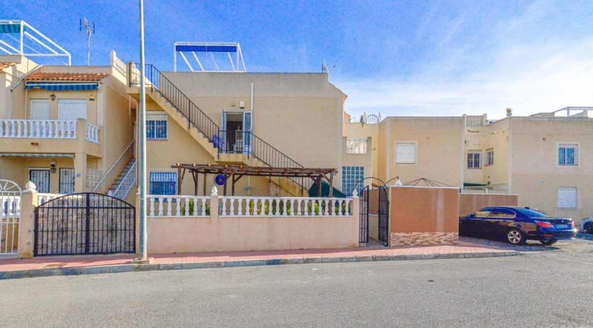 3 Bedrooms Bungalow with Solarium For Sale in Torrevieja (21)