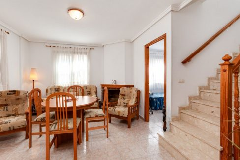 3 Bedrooms Upstairs Bungalow For Sale With Solarium And Pool In Mar Azul Torrevieja (14)