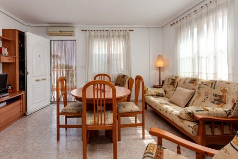 3 Bedrooms Upstairs Bungalow For Sale With Solarium And Pool In Mar Azul Torrevieja (15)