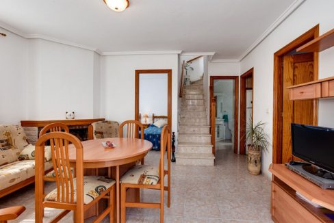 3 Bedrooms Upstairs Bungalow For Sale With Solarium And Pool In Mar Azul Torrevieja (16)