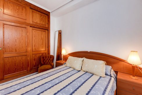 3 Bedrooms Upstairs Bungalow For Sale With Solarium And Pool In Mar Azul Torrevieja (22)