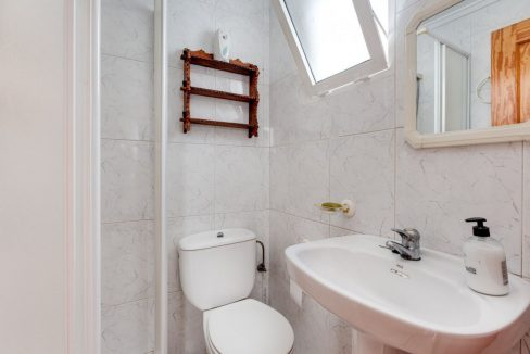 3 Bedrooms Upstairs Bungalow For Sale With Solarium And Pool In Mar Azul Torrevieja (8)
