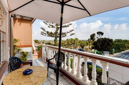 3 Bedrooms Upstairs Bungalow For Sale With Solarium And Pool In Mar Azul Torrevieja