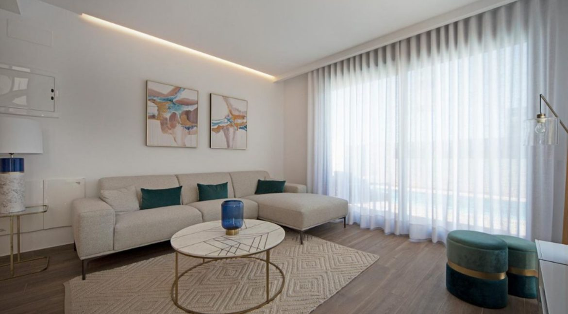 3 Or 4 Bedrooms Villas For Sale With Swimming Pool Just 350 Meters From The Sea In Torrevieja (10)