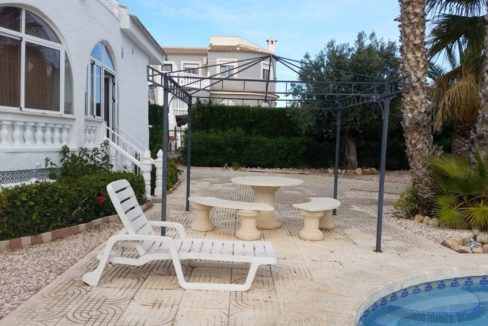 4 Bedrooms Villa For Sale with Swimmimg Pool in Torrevieja (19)