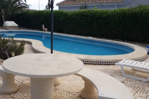 4 Bedrooms Villa For Sale with Swimmimg Pool in Torrevieja (21)
